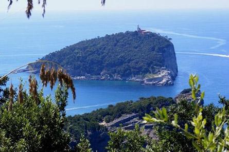 isola_del_tino